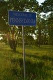 Willkommen zu Pennsylvania-Zeichen auf Staatsgrenze-Grenze Lizenzfreie Stockfotos