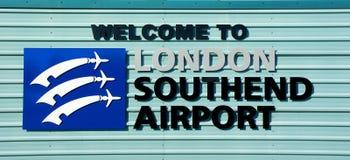 Willkommen zum Flughafenzeichen Londons Southend Southend auf Meer, Essex, Großbritannien stockbild