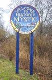 Willkommen zum historischen Mystiker in Connecticut - MYSTIKER - CONNECTICUT - APRIL 6,2017 stockfotografie