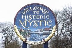 Willkommen zum historischen Mystiker in Connecticut - MYSTIKER - CONNECTICUT - APRIL 6,2017 stockbilder
