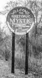 Willkommen zum historischen Mystiker in Connecticut - MYSTIKER - CONNECTICUT - APRIL 6,2017 lizenzfreies stockfoto