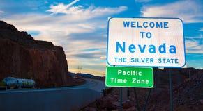 Willkommen zum Nevada-Staatsgrenzezeichen Lizenzfreie Stockbilder