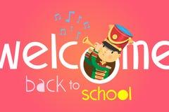 Willkommen zurück zu Schulplakat Wenn ein Junge auf Trompete spielt, in der Uniform der Schulbanduniform Stockfoto