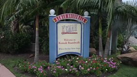 Willkommensschild zur Kemah-Promenade stock video