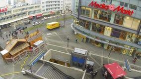 Wilmersdorfer Strasse in Berlijn, Duitsland stock footage