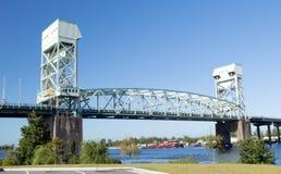 Wilmington NC USA Augusti 25,2014: Minnes- bro för uddeskräck royaltyfri foto