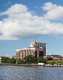 Wilmington, van NC de V.S. 26,2014 Augustus: Wilmingtonflats op de Rivier van de Kaapvrees Royalty-vrije Stock Foto