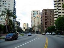 Wilshire大道,圣塔蒙尼卡,加利福尼亚,美国 免版税库存照片