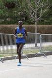Wilson Chebet Kenya springer i den Boston maraton som kommer i 5th med en tid av 2:12: 35 på April 17, 2017 Fotografering för Bildbyråer