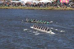 Wilson Highschool oberster größerer Lawrence Rowingbottom läuft im Kopf von Charles Regatta Men-` s Jugend Eights Lizenzfreie Stockbilder