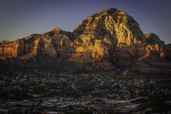 Wilson Mountain Sunset på Sedona Arizona royaltyfri foto