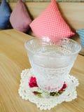 Wilt u een glas water? Stock Foto