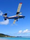 Winair nivå som tar av från den St Barts flygplatsen Royaltyfria Foton