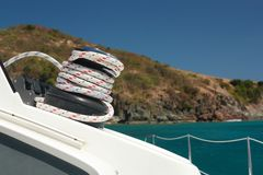 Winch and rope on sailing boat Stock Photography
