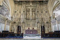 WINCHESTER, HAMPSHIRE/UK - 6 DE MARÇO: Altar em Winchester Cathedr imagem de stock