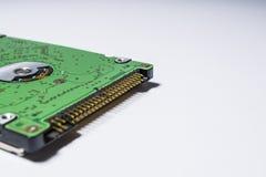 Winchester van groene kleur Harde aandrijving Motherboard Computervervangstukken De Kaart van het geheugen diskette Op een witte  stock afbeeldingen