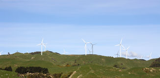 wind för jordbruksmarkrullningsturbiner Arkivbilder