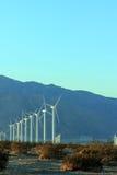 Wind mal på skymningen; Copyspace Arkivfoto