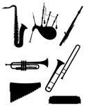 Wind muzikale instrumenten geplaatst pictogrammen zwart overzichtssilhouet stoc royalty-vrije illustratie