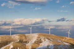 Wind Turbineberg mit Schnee Lizenzfreies Stockfoto