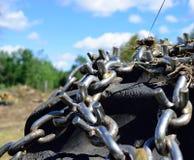 Winden-Reifen und Ketten auf Landung Stockbilder