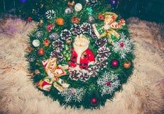 Winden Sie für Dekoration, die neues Jahr und Weihnachtsstimmung schaffen würde Lizenzfreie Stockfotos