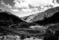 Windende bergweg Stock Afbeelding