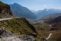 Windende bergweg Royalty-vrije Stock Afbeelding