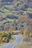 Windende weg door de Apennijnen royalty-vrije stock afbeelding