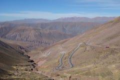 Windende weg - het Noorden van Argentinië/noa, jujuy salta, royalty-vrije stock fotografie