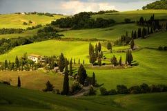 Windende weg in Toscanië royalty-vrije stock afbeelding