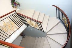Windendes Treppenhaus Stockfotos