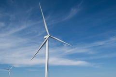 Windenergie op de berg Stock Foto's