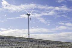 Windenergie-Turbinen-Kraftwerk Lizenzfreies Stockbild