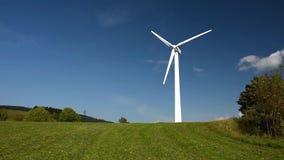 Windenergieinstallatie stock video