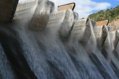 Winderige de Muur van de dam Stock Foto