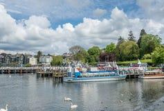Windermere port z pływać statkiem łodzie Zdjęcie Royalty Free