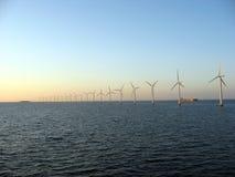 Windfarm a pouca distância do mar 2 Imagem de Stock