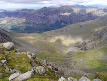 Windgap与更加进一步下面Ennerdale的谷的小海湾底部 库存图片