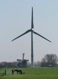 Windgenerator in bulbi sistema per quanto l'occhio può vedere, attira molti turisti Immagine Stock Libera da Diritti