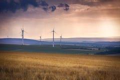 Windgenerators dichtbij Alzey, Pfalz, Duitsland Stock Foto's
