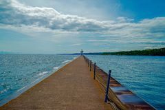 Windiger Wellenbrecher an der Achat-Bucht in zwei Häfen, Minnesota lizenzfreie stockbilder