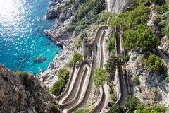 Winding path to the sea Royalty Free Stock Images