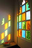Windiow con el vidrio multicolor en la India Fotografía de archivo