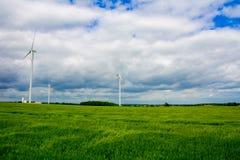 Windkraftanlage auf dem Gebiet Lizenzfreie Stockfotografie