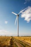 Windkraftanlage auf dem Gebiet Stockbilder