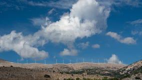 Windkraftanlage auf den Bergen von Kefalonia, die Kykladen-Insel lizenzfreie stockfotografie