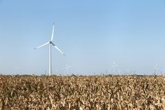 Windkraftanlage-Feld-Achse Lizenzfreies Stockbild