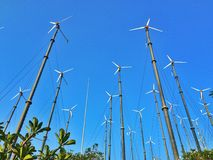 Windkraftanlage, Windgenerator, WindStromversorgungseinheit (WPU), Windenergie-wandler stockfotos