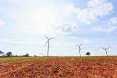 Windkraftanlagebauernhof auf dem Hügel Erzeugung des Stroms, Thailand Lizenzfreies Stockbild